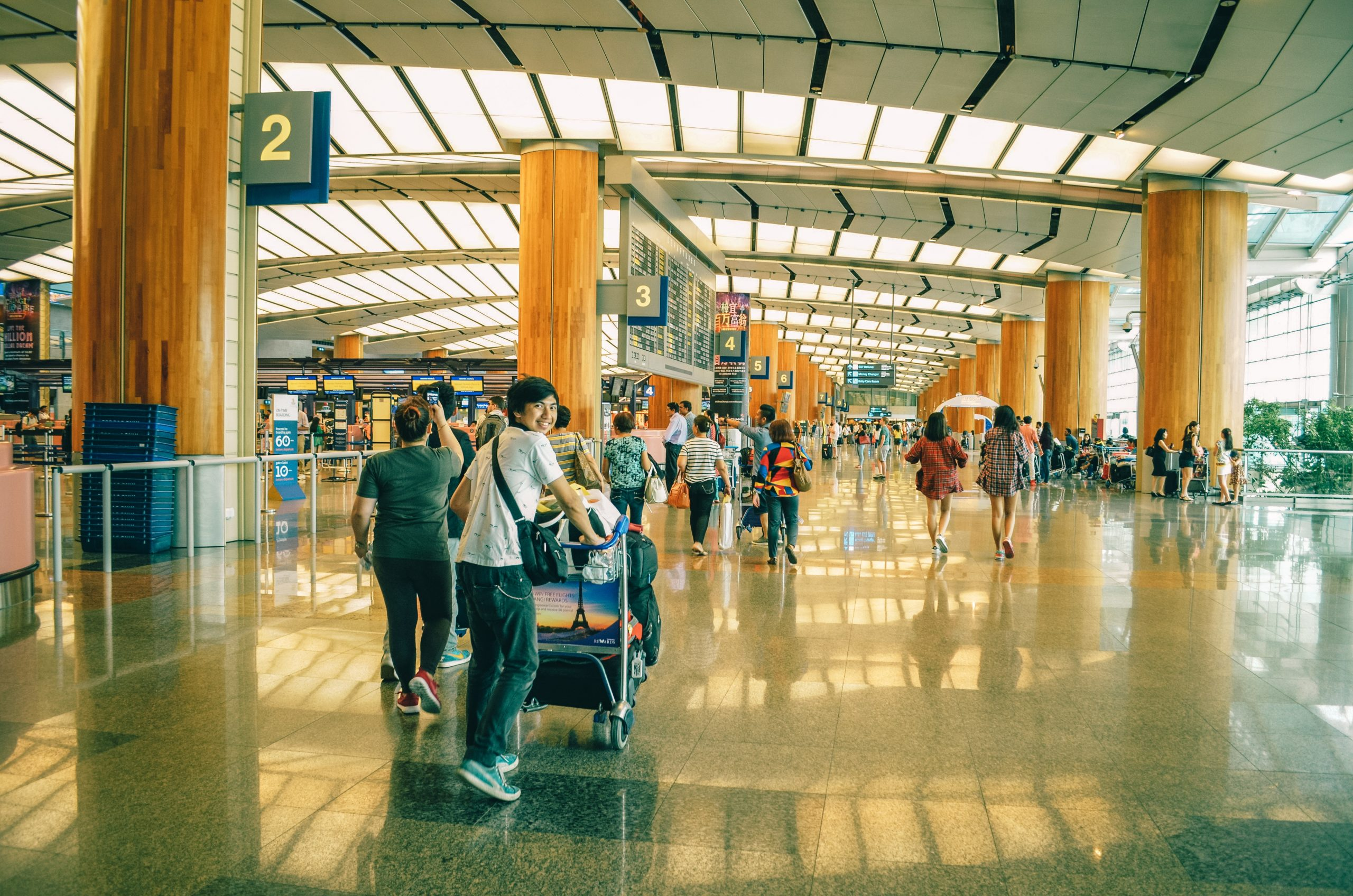 30 Important English Words for When You Are at the Airport